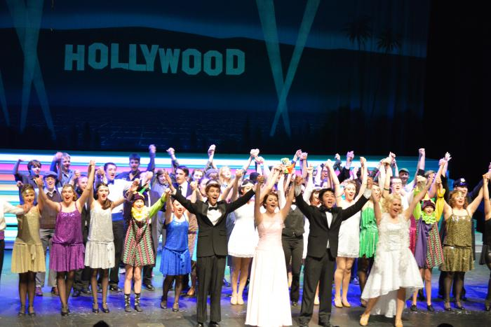 Singin' in the Rain cast curtain call.